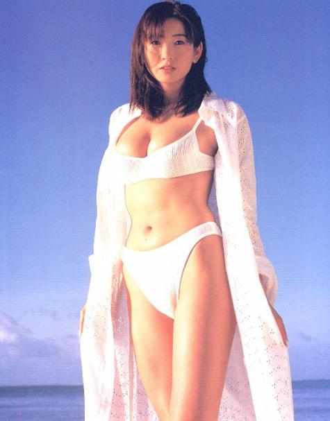 中島史恵さんのビキニ
